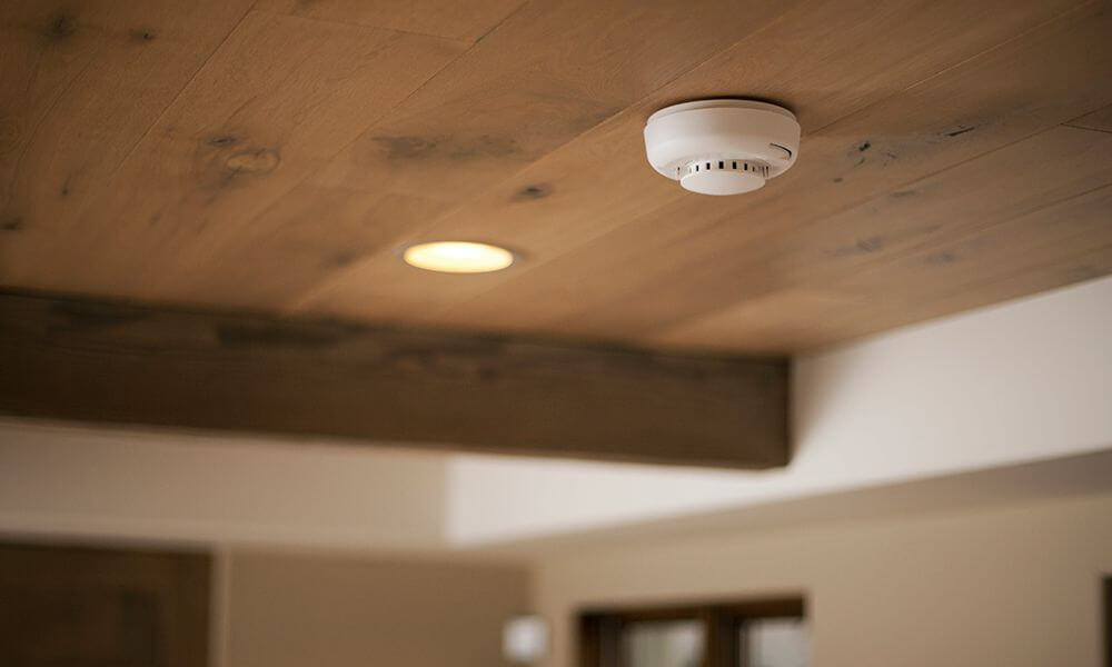 Vivint alarm system smoke detector