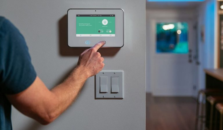 How to Make Your Home Safer With Home Security